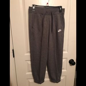 Nike Women size S joggers.            NWT